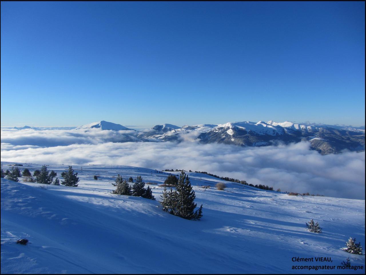 Mer de nuage sur la vallée de la Blanche